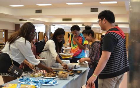 Students and alumni enjoy NHS Coffee House