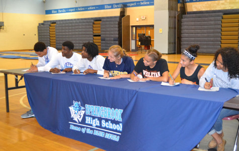 Seniors sign NLI