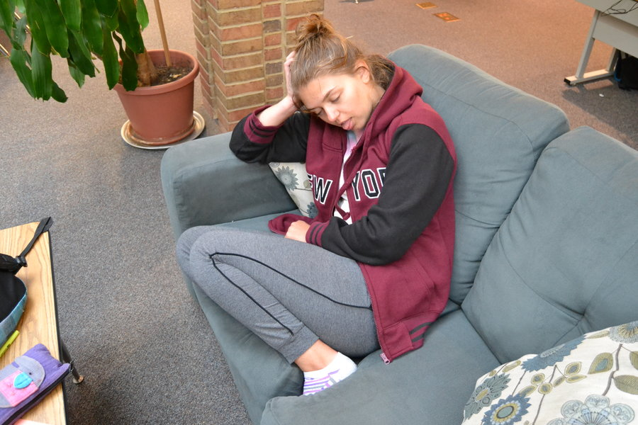 Junior+Maya+Lynch+half+asleep+on+the+couch+instead+of+going+to+6th+period.
