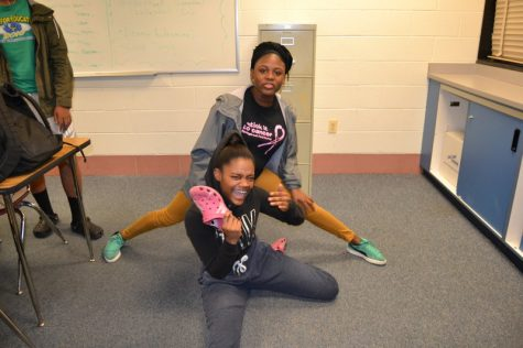 De'Yana Page killed it with Suzzie Mpacko with their elaborate poses, slippers, and crocs